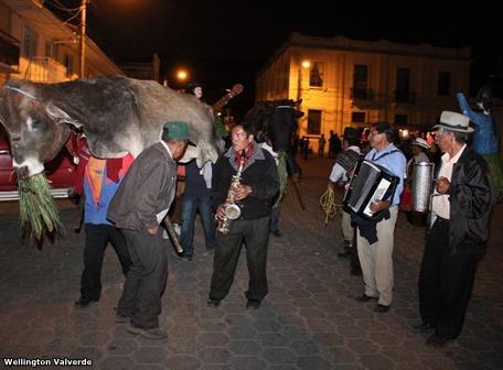 Tauromaquia en Quito Ambato Guaranda y Fiesta Religiosa de Girn